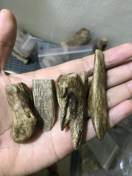 Đeo vòng gỗ trầm hương có tác dụng gì ?                                         Gỗ trầm hương từ lâu... via thanhtramhuong