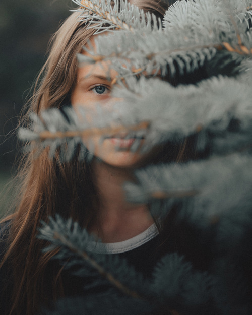 Those Summer Blues                                                                          For more works please visit                                                                            #portrait... via LimebluPhotography