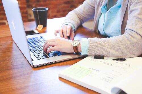 35 Benefits of Hiring a Virtual Marketing Assistant