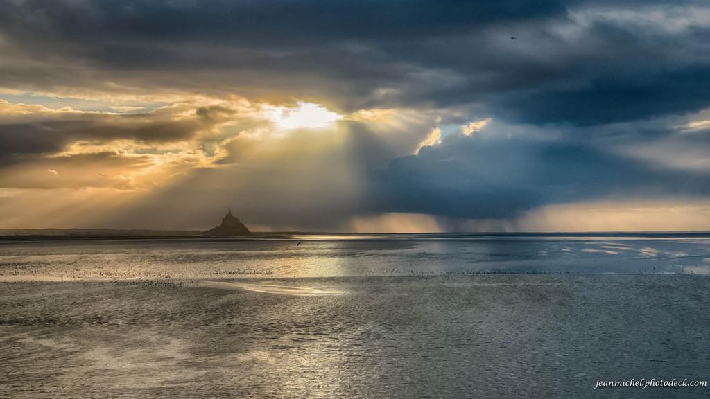 Between sun and rain via Jean Michel