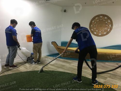 Dịch vụ giặt thảm văn phòng tại Quận 1 - Lộc Phát 247