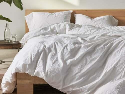Best type of Sheets for Hot Sleepers via louren roy