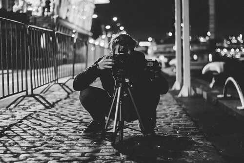 The Decisive Moment: What It Is and Why It's Important in Photography   Contrastly
