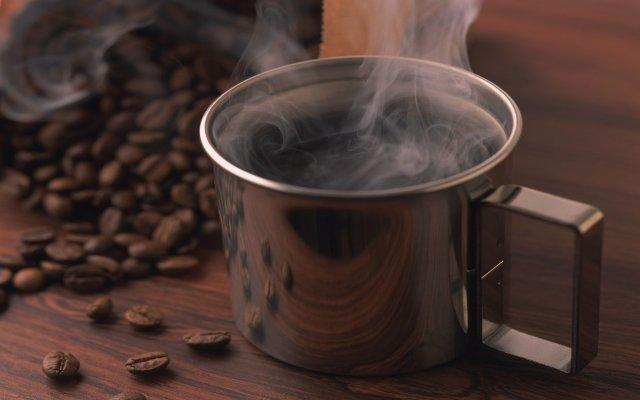 #MondayMorningCoffee ! Strong and Hot ;-) via Gerrit Bes