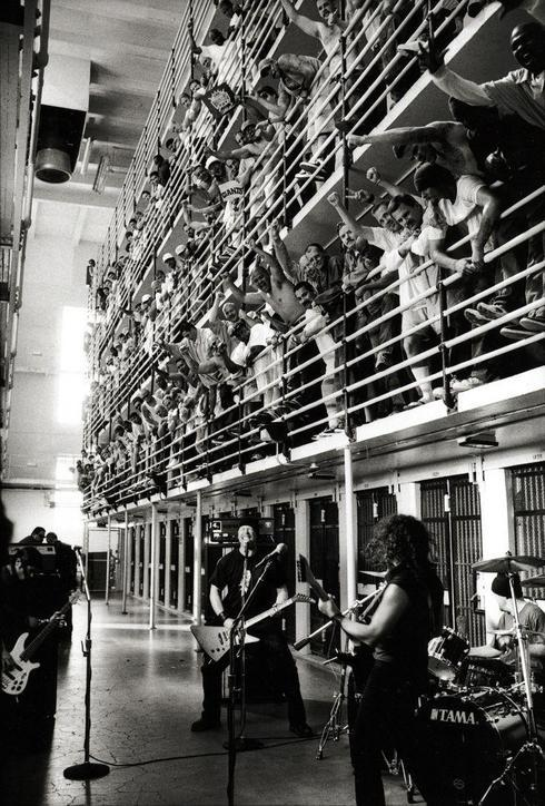 Metallica performing at San Quentin State Prison (2003) via Barbara Fariña