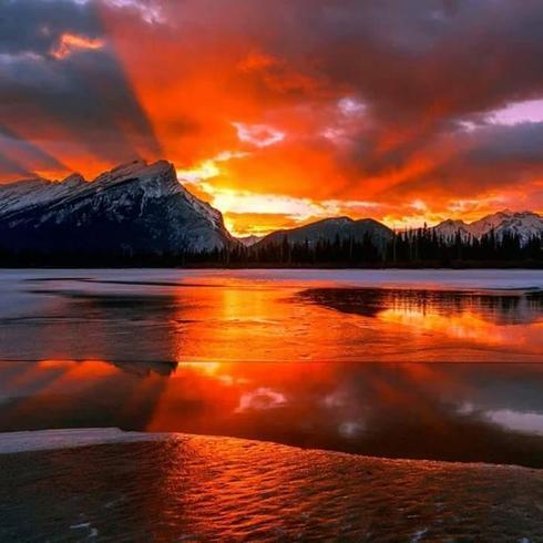 amazing nature.     Ocean sunset via Jørgen Hauge