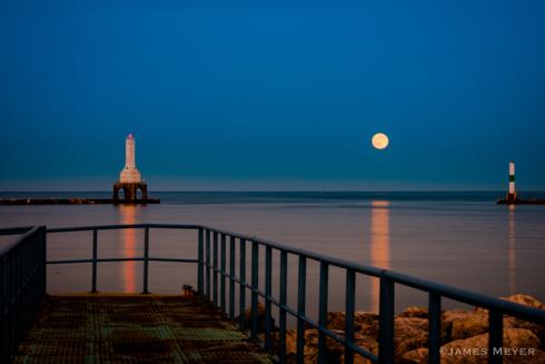 Strawberry #moon at sunset in Port Washington Wisconsin.  #c... via JamesMeyerMedia