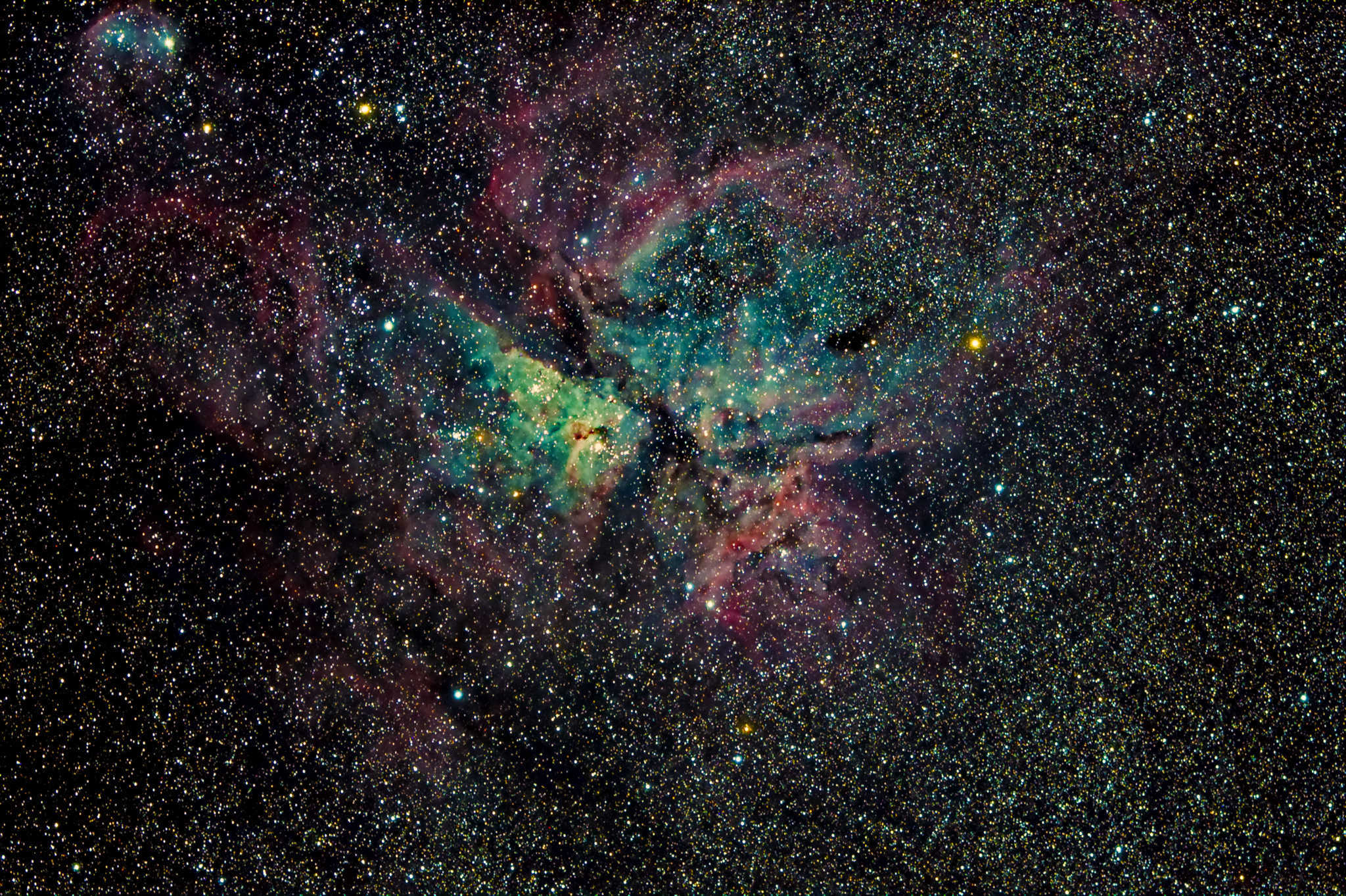 The Carina nebula - a southern sky jewel! #astrophotography via Daniel Nicolae