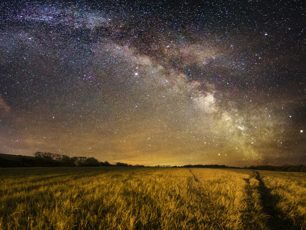 lay with me stargazing. via Simon Helms