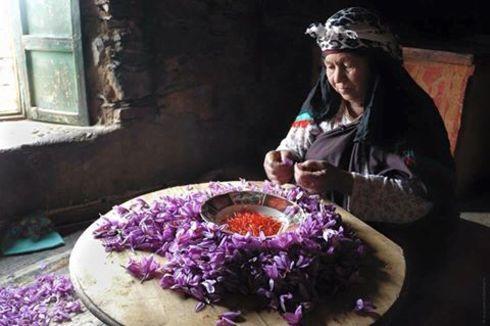 The saffron of Taliouine is one of the local Moroccan produc... via Said Daoudi
