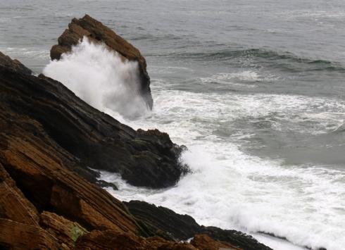 Cliffs via Gil Reis