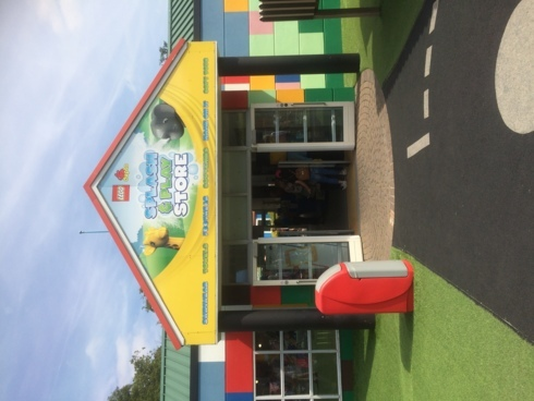 The Splash and Play Store during our travel to Legoland... via BookersPal