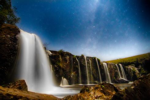 Moonlit waterfall via Fabio Viero