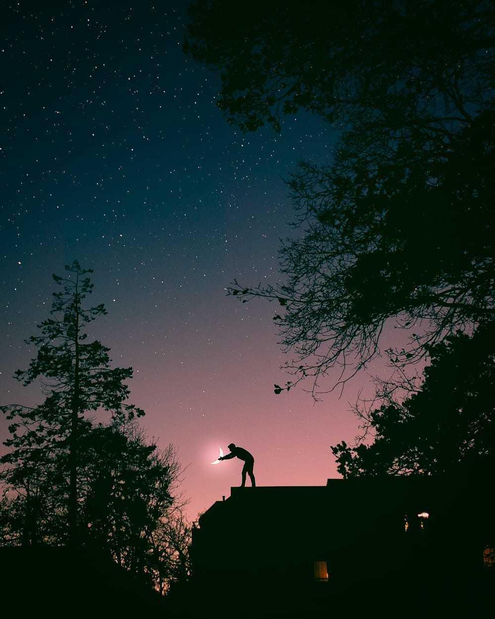lunar light. via Simon Helms