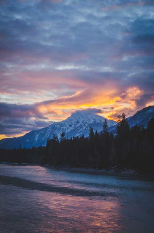 This sunset was one of the prettiest I have seen.                                                                          #potd #ph... via Kaila Walton