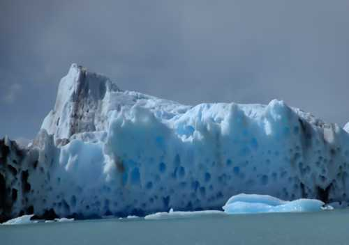 #patagonia #iceberg #lagoArgentina #elCalafate via CozyLayers
