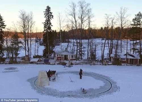 Spinning around! Ingenious man creates a stunning ice carous... via Colin Sydes